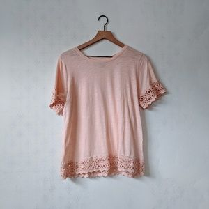 LOFT M Blush Lace Hem T-Shirt